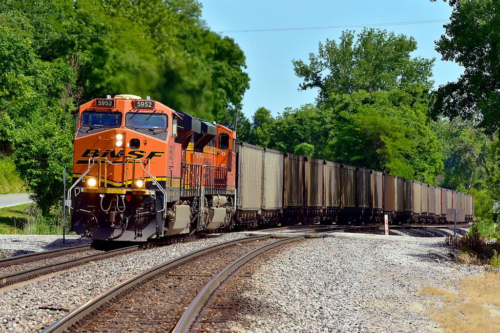 BNSF ES44AC 5952 / Waldron, MO — Trainspo